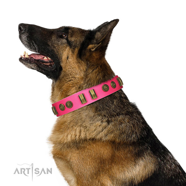 Easy wearing dog collar of genuine leather with designer embellishments