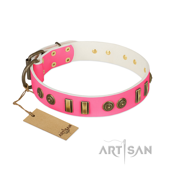 Easy wearing leather collar for your dog