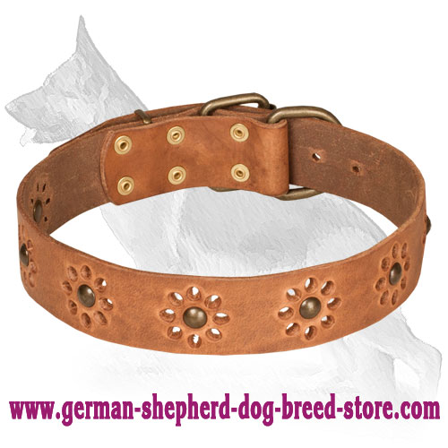 Decorated with Flowers Leather Collar Spring Mood