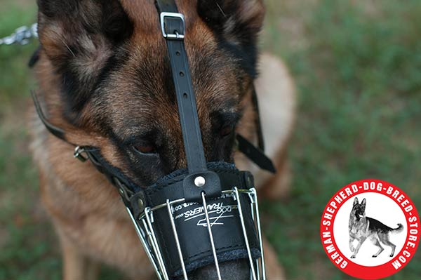 Lightweight Basket Muzzle Adjustable in Size