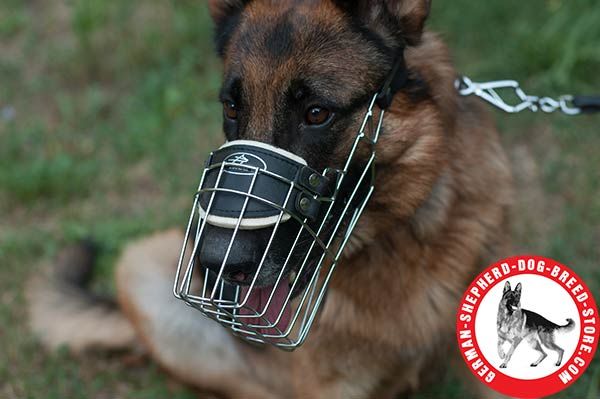 German Shepherd Wire Muzzle with Upper Nose Zone Padding